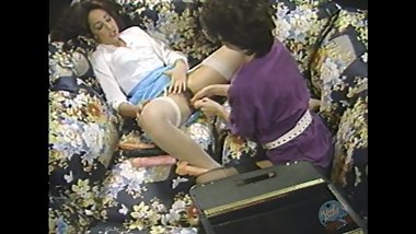 Classic Porn: Lesbians fucking huge toys!