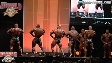 MUSCLEBULLS: Arnold Classic Europe 2014 Comparisons + Posing