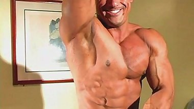BodybuilderMuscleSolo981